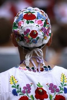 Hungarian Embroidery This is like what i grew with! Influenced some of my painting! Past weeks, i am finally finding stuff like I grew up with! Previous pinner said: outfit from Kalocsa Chain Stitch Embroidery, Embroidery Stitches, Embroidery Patterns, Hungarian Embroidery, Folk Embroidery, Butterfly Embroidery, Folklore, Stitch Head, Stock Image