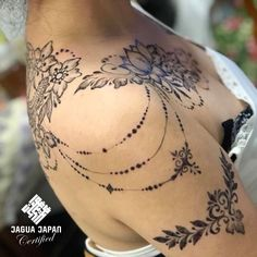 Cool Tattoos Every Woman Wants - Best Picture For Tattoo Style design Henna Tattoo Kit, Tattoo Kits, Lace Tattoo, Henna Kit, Rebellen Tattoo, Jagua Tattoo, Pretty Tattoos, Unique Tattoos, Beautiful Tattoos