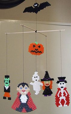 Halloween ornaments mobile hama perler beads by Les Mercredis de Julie Diy Halloween, Hama Beads Halloween, Halloween Ornaments, Halloween Projects, Melty Bead Patterns, Pearler Bead Patterns, Beading Patterns, Art Perle, Hama Beads Design