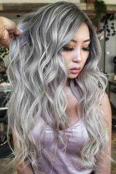 silver hair highlights 21 Platinum Hair Looks To Appear Super Hot Platinum Blonde Hair Color, Blonde Hair Shades, Silver Blonde Hair, Lila Shampoo, Hair Color 2017, Hair Color Asian, Blonde Asian Hair, Colored Curly Hair, Box Braids Hairstyles