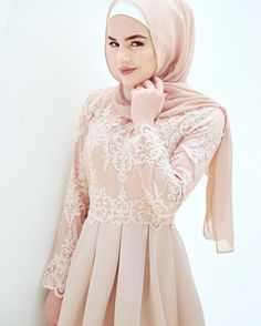 I want a pink one like thisss! Islamic Fashion, Muslim Fashion, Modest Fashion, Fashion Dresses, Muslim Wedding Dresses, Muslim Dress, Prom Dresses, Hijab Dress Party, Modele Hijab