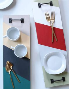 Imagine trays via painted wooden planks and handles of drawers