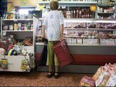 Ma délelőtt ez a néni előttem vásárolt a boltba..A következő pillanatban a boltos tettén elsírtam magam Popcorn Maker, Kitchen Appliances, Samsung, Diy Kitchen Appliances, Home Appliances, Kitchen Gadgets