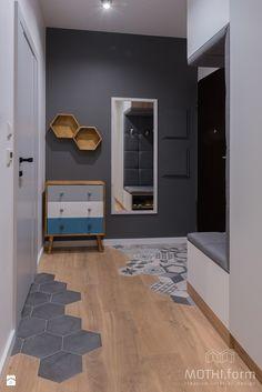 Przedpokój z wejściem do mieszkania - zdjęcie od MOTHI.form