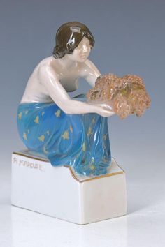 figurine, Rosenthal, war mark 1914-1917, sign.R. Marcuse, Model no. 477 female grape carrier, colorful under glaze painting