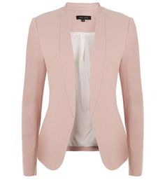"Opt for a smart meets casual daytime look, layering this blush-toned blazer over a white tee, skinny jeans and plimsolls.- Simple long sleeves- Collarless design- Casual fit- Woven fabric- Pocket detail- Model is 5'8""/176cm and wears UK 10/EU 38/US 6"