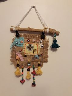 Home Trends 2020 Jute Crafts, Diy And Crafts, Plastic Bottle Flowers, Paint Colors For Living Room, Handmade Home, Textiles, Textile Art, Interior Design Living Room, Dream Catcher