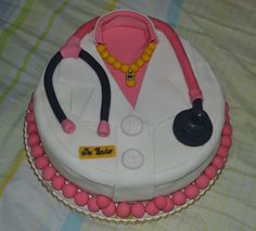 Cake With Name For Doctor : doctor cakes on Pinterest Doctor Cake, Graduation Cake ...
