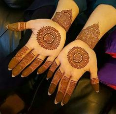 50 Most beautiful Simple Mehndi Design (Simple Henna Design) that you can apply on your Beautiful Hands and Body in daily life. Beginner Henna Designs, Mehndi Designs 2018, Modern Mehndi Designs, Dulhan Mehndi Designs, Wedding Mehndi Designs, Mehndi Designs For Fingers, Henna Tattoo Designs, Mehendi, Mehandi Designs
