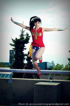 donthurtyourselfonthewaydown:  Aaaaand before I forget, here's a photo of my Wonder Girl cosplay. I did Donna from TTYO with lilrenald as Speedy. Photo by Dale. Haha, I'm so happy to have finally got a flying shot!  You make an awesome Wonder Girl!