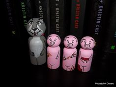 3 little pigs and big bad wolf peg dolls