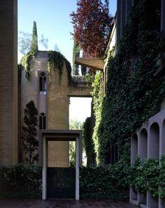 Ricardo Bofill Taller de Arquitectura · La Fabrica