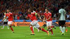 EM 2016 : Wales im Halbfinale - Wales-Belgien 3:1  -  Beim Jubel rennt Williams über den halben Platz...