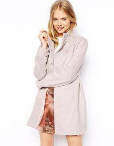 Mantel von ASOS Collection aus Wollmischung Stehkragen zweireihige Knopfleiste vorne Faltendesign ab der Taille normale Passform