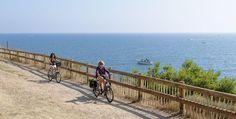 Vélo à Sète avec vue sur la mer http://www.tourisme.fr/paroles-office/5/balade-a-velo-a-sete-avec-vue-sur-la-mer.htm Crédit : JP degas