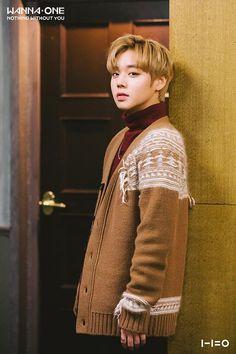 He kind of looks like yoo seung ho in this pic Jinyoung, Bae, Nothing Without You, Cho Chang, Park Bo Gum, Yoo Seung Ho, Guan Lin, Produce 101 Season 2, Kim Jaehwan