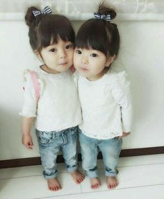 Pictures of cute korean twin babies - Cute Asian Babies, Korean Babies, Cute Babies, Precious Children, Beautiful Children, Beautiful Babies, Cute Little Baby, Little Babies, Baby Kids