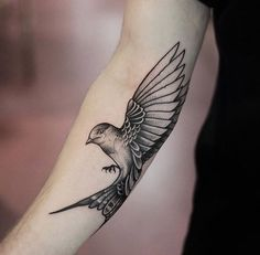 Ideas bird tattoo line style – Bird Supplies Bird Tattoo Foot, Foot Tattoos, Body Art Tattoos, Sleeve Tattoos, Swallow Bird Tattoos, Tiny Bird Tattoos, Small Tattoos, Tattoo Line, Mark Tattoo
