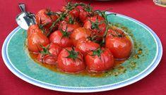 Für diese Idee stand der Edelitaliener Pate. Cooles Wortspiel, oder?!  Tomaten sind DER Inbegriff des Sommers und gehören für mich zum Grillen einfach dazu. Doch statt immer nur einen Salat aus Tomaten zu servieren, wollte ich Tomaten vom Grill. Und das ist dabei heraus gekommen: #Grillbeilage, #grilltomate, #grillgemüse, #schlemmerkräuter, #olivenöl, #Rezept