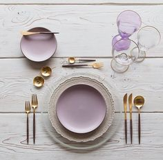 Monday morning sunrise at With our Verona Chargers in Whitewashed Terracotta + Custom Heath Ceramics in Sunrise + Goa Flatware in Gold/Wood finish + Chloe Gold Rimmed Stemware featuring Chloe Goblet in Blush + Gold Salt Cellars + Tiny Gold Spoons # Teller Set, Heath Ceramics, Lilac, Purple, Pink Brown, Mauve, Gold Wood, Dinner Sets, Deco Table