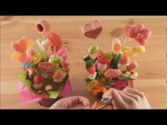 ▶ Maceta con flores de chuches - YouTube