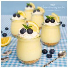 Pavlova, I Foods, Panna Cotta, Food And Drink, Pudding, Yummy Food, Sweets, Cooking, Ethnic Recipes