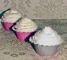 CUPCAKES DE ALMENDRAS CON MASCARPONE http://wwwreposteriabego.blogspot.com.es/2015/04/cupcakes-de-almendras-con-mascarpone.html?m=1