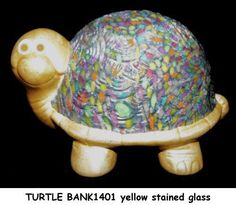 Polymer clay and acrylic paint over ceramic. Handcrafted Jewelry, Turtle, Polymer Clay, Objects, Ceramics, How To Make, Kids, Ocean, Painting