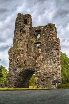 Clouds brood over Mellifont Abbey, Louth. Founded by a saint in 1142, it went to ruin in 1539 when King Henry VIII set about to disband Catholic monasteries priories and convents across Ireland and Britain. Image © @storytravelers
