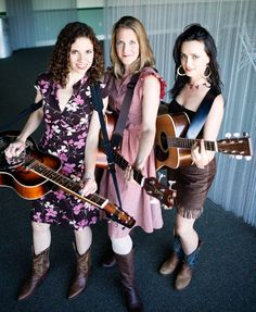 Come see the local favorite female trio, Red Molly at the music hall on Friday May 16th at 8 PM!