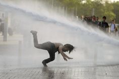 STOP POLICE BRUTALITY AND VIOLENCE IN TURKEY!    The police used pressurized hoses to quash the demonstration