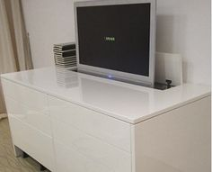 Meuble tv plasma tania laqu blanc tele pinterest for Meuble tv shine