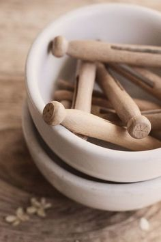 wooden clothes pin / zero waste cleaning / air drying / ceramic bowls