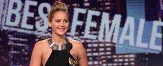 Jennifer Lawrence jedva čeka da se odmori. Da li ste očekivali da će dobiti Oskara? Spirit Awards, Jennifer Lawrence, Movie Blog, Tank Man, Tank Tops, Movies, Image, Women, Fashion