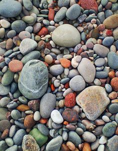The multi-coloured pebbles on New Aberdour beach are the result of glacial deposits which form some of the soft sandstone / composite rock found at this location.