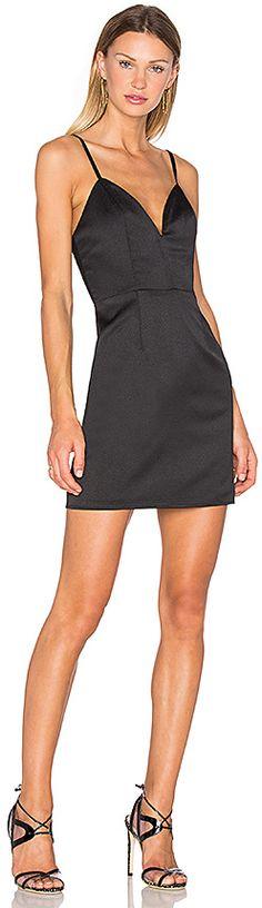 Heloise Women\'s A-Line Short Sleeve V-Neck Pleated Little Red ...
