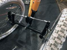 Three Wheel Bicycle, Everyday Eye Makeup, Car Jokes, Reverse Trike, Bike Trailer, Cargo Bike, Bike Style, Pedal Cars, Bike Design
