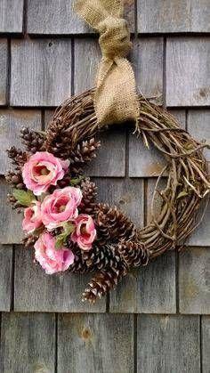 Guirlanda de Natal com galhos e flores