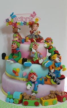 clowns cake Pretty Cakes, Beautiful Cakes, Amazing Cakes, Cupcakes, Cupcake Cakes, Olaf Frozen, Clown Cake, Cake Toppers, Circus Cakes
