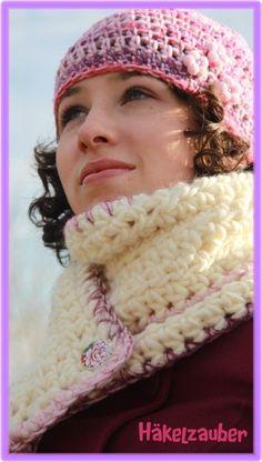 Dieses Tolle Set könnt ihr auch einzeln kaufen, Mütze in schönen Rosa/lila tönen und 3 Pomponblümchen mit Perlen.    Den Schal kann man mit 2 schönen