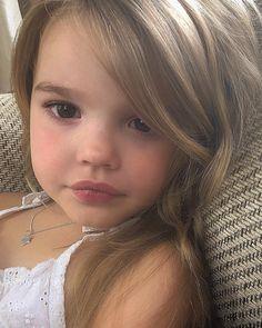 Little cutie via Cute Little Baby, Cute Baby Girl, Cute Mixed Babies, Cute Babies, Baby Kids, Cute Baby Pictures, Baby Photos, Beautiful Pictures, Beautiful Children