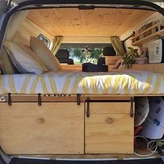vw bus innenausbau bauanleitungen doppelbett im vw caddy van ausbau moskitonetz kinderbett. Black Bedroom Furniture Sets. Home Design Ideas