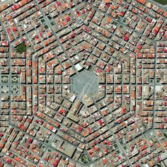 urbanismo y geometría (Grammichele Sicilia). The town was constructed in 1693 with a distinctive hexagonal street plan after an earthquake destroyed the nearby, old town of Occhialà. Vue Satellite, Urban Fabric, Italy Map, Southern Italy, City Maps, Urban Planning, Urban Landscape, Landscape Designs, Aerial Photography