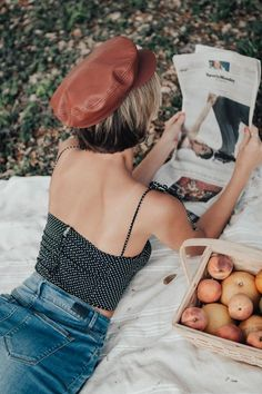 Here's 4 tips on how to ask better questions that can help you overcome problems, gain valuable resources, and move you forward in life. Picnic Photography, Girl Photography Poses, Summer Aesthetic, Aesthetic Photo, Polka Dot Crop Tops, Life Is Beautiful, Editorial Fashion, Photoshoot, Summer Vibes