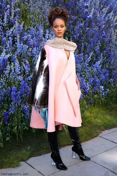 Dior ambassador Rihanna looked sensational wearing oversized pink coat with cape shape from Dior Fall 2015 Couture collection at the Christian Dior Spring-Summer 2016 Fashion Show during Paris fashion week spring 2016 (October 2015). #rihanna #dior