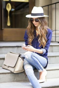 Something Navy blogger Arielle rocks a lust-worthy panama hat, simple blouse and jeans