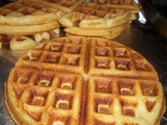*Interlude From Insanity****: Jiffy Cornbread Made into Waffles -- A Nice Way to Have Cornbread Without Turning on the Oven./