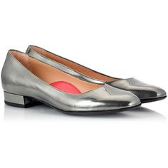 Pas De Rouge - JOLI Silver leather low-heel round-toe pumps ($185) ❤ liked on Polyvore featuring shoes, pumps, laminate, round toe pumps, silver round toe pumps, leather pumps, genuine leather shoes and silver low heel pumps
