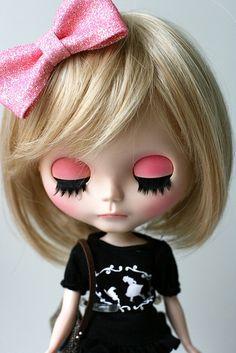 Blythe doll - portrait by euniceeva via Flickr     #doll #blythe