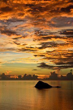 Mayotte / Grande Terre / Coucher de soleil a Sada, Comoros Islands - photo: ArthursurFlickr